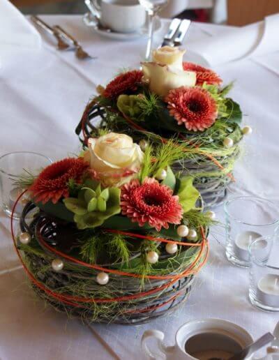Tischdeko Nest Mit Blumen